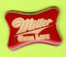 Pin's Bière Miller High Life - 8S07 - Bière