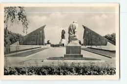 BERLIN -  RDA - Ehrenmal Der Sowj Armée In TREPTOW - Cinétaphe Soldat Armée Soviétique - Non Classés