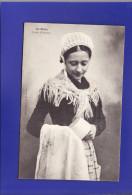 --1585) 9)   Saint Malo Femme   (1 PETITE TACHE TRES LEGERE  Sinon Très Très  Bon  état) - Saint Malo