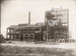 Tres Rare Photo Originale,construction De La Distillerie à Mirebeau 1933 Superbe.23x17 - Mirebeau