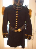 TENUE ANCIENNE  SOUS OFFICIER INFANTERIE DE MARINE . AVEC KEPI - Uniforms