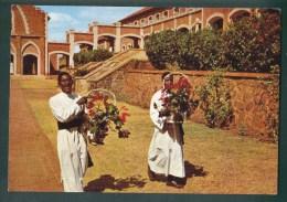 MALAWI - SEMINARIANS CATHOLICS - 1960/70s POSTCARD ( 2 SCANS ) - Malawi