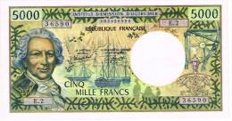 E.2 5000 F Nouvelle Caledonie PAPEETE Billet IEOM Monnaie Banknote Pirogue Pli Propre Et Repassé - Unclassified