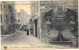 RIOM   CPA(63)  Fontaine D'Adam Et Eve Et Rue De Mozat  Animée - Andere Gemeenten