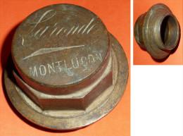 Rare gros bouchon de radiateur de tracteur ou autre v�hicule en bronze LARONDE � Montlu�on