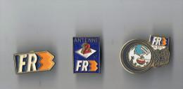 Lot  3 Pin's   Télévision  FR3  A2 - Pin's