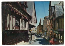 LAVAL--- La Grande Rue Et Ses Vieilles Maisons (voitures Dont Dauphine Renault Et 4L,cyclomoteur Et Pub Bière Meuse) ), - Laval