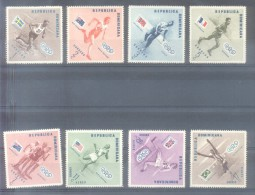 JUEGOS OLIMPICOS DE MELBOURNE 1958 CON BANDERAS DE LOS PAISES SERIE COMPLETA YVERT NRS. 457-461 Y AEREOS  108-110 MNH TB