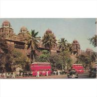 ASIA2046-LFTD2223. Tarjeta Postal De INDIA.Edificio Y Autobuses En BOMBAY - Edificios & Arquitectura
