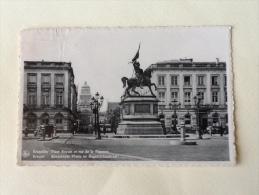 Bruxelles Place Royale Et Rue De La Regence Viaggiata F.p. - Piazze