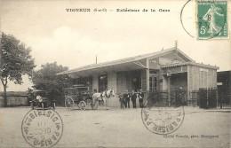 EXTERIEUR DE LA GARE - Vigneux Sur Seine