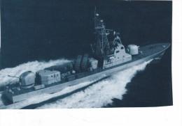Batiment Navire Militaire Fregate  Equateur Guito - Boats