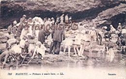 (64) Biarritz - Pêcheurs à Marée Basse - Bon état - 2 SCANS - Biarritz