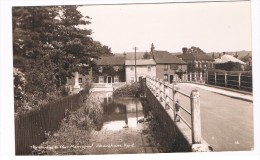 UK2103      SHOREHAM : The Bridge And War Memorial - Other
