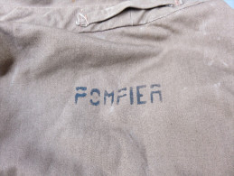 Veste En Toile Cachou De Pompier, Taille 112 80, état Proche Du Neuf, 2 Poches Intérieures, Ferme Par 6 Boutons - Pompiers