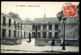 Cpa Du 17 Saintes L' Hôtel De Ville      JA15 4 - Saintes