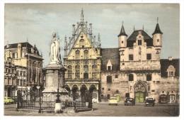 MALINES   ---  Monument De Marguerite D' Autriche - Hôtel De Ville Et Anciennes Halles Aux Draps - Machelen