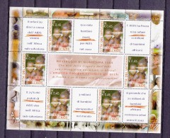 VATIKAANSTAD/VATICAN/ VATICANO - ANNO 2004 - Boekje/carnet - BAMBINI NEL MONDO AIDS BF 31 ** - Blocs & Feuillets