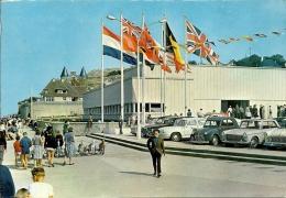 FRANCIA  CALVADOS  ARROMANCHES  Le Musée Du Débarquement  Voitures Peugeot Citroen Diane 2CV Simca - Arromanches