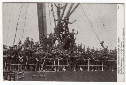 Militaria-Guerre Européenne De 1914- Troupes Anglaises Arrivant En France- English Troops Arriving In France  CPA - War 1914-18
