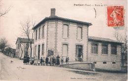 FRANCE  C.P.A  81  TARN  PARISOT  Ecole De Filles (en L´état) - France