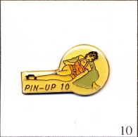 Pin´s - Pin´ Up - Pin´Up N# 10. Est. Ananas Production. Epoxy. T310-10 - Pin-ups