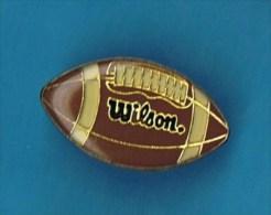PIN´S //  . WILSON BALLON DE FOOTBALL AMERICAIN NFL DES DUKE - Badges
