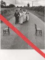 "Photo - 1990 - Robert Doisneau - "" Tradition Poitevine / Poitiers Tradition - 1951"" - Mariage  ... - Lugares"