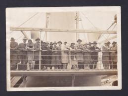 Photo Originale - Départ à Bord Du Stanleyville Pour Le Congo ( Bateau Congo Belge Photo Marinus Anvers 1927) - Boats