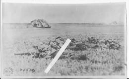 1918 Tank Anglais Char Male MK V Et Infanterie D'accompagnement 1 Photo 1914-1918 14-18 Ww1 Wk1 - Guerra, Militari