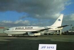 Avion De Ligne    AIGLE AZUR  BOEING 737.200 - 1946-....: Moderne