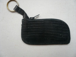 - Porte-clés En Lézard -couleur:noir -avec Fermeture éclair  Longueur:10cm L=5cm (jamais Servi) - Manschetten- U. Kragenknöpfe
