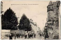 Saint Epain - Grande Rue - Tourelles Renaissance - France