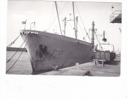 Batiment Militaire Marine Perou   Ilo Coque 131 En Proue A Quai - Boats