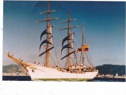 Batiment Militaire Marine Colombie Voilier Ecole Gloria - Boats