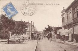 SOULAC SUR MER - 33 - La Rue De La Plage - Edit ALIA - ENCH - - Soulac-sur-Mer