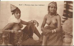 ALGERIE - Scenes Et Types - Femmes Aux Seins Nus - Scenes