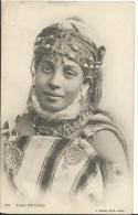 ALGERIE - Scenes Et Types - KABYLIE - Jeune Fille Kabyle - Scene & Tipi