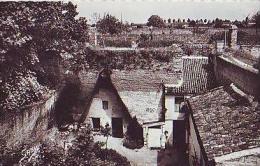 Doué La Fontaine   408          Une Habitation Souterraine Datant De 1850 - Doue La Fontaine