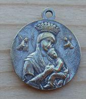Mad-571Médaille Ancienne Signée Difficile à Lire, Au Dos Pius XII - Religion & Esotericism