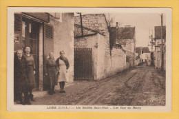 LIGRE 37 ( LES ROCHES ST PAUL - UNE RUE DU BOURG  ) - Autres Communes