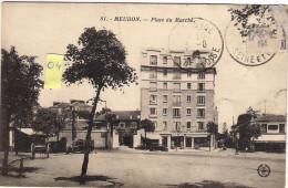 """MEUDON  92  Place Du Marché  Animée """" Camion Charette .. Et La Maison Martin"""" (1939) - Meudon"""
