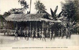 OCEANIE  ILES SALOMON SEPTENTRIONALE MAISON COMMUNE ETHNOLOGIE HABITAT  VOYAGES - Papoea-Nieuw-Guinea