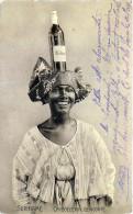SURINAM GUYANE HOLLANDAISE BELLE  A LA BOUTEILLE   CARBOEGERIN  GEWOONTE   PUBLICITE VIN ALCOOL ETHNOLOGIE - Suriname