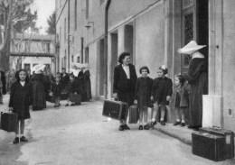 51Fc  Montpellier Institution Des Sourds Muets Et Aveugles La Cour D'entrée - Health