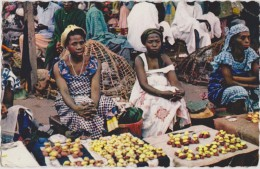 AFRIQUE,EQUATORIAL FRANCAISE,africa,congo,19 53,POINTE NOIRE,BRAZZAVILLE,metier, Femme Du Pays,belle,marchande,cuis Inie - Pointe-Noire