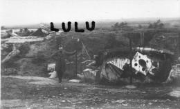 BELGIQUE  Lot De 2 Cpa; Fort De Loncin , A Droite Coupole Pour Obus Er De 21 Cm A Gauche Coupole Pour Canon De 5,7 Cm - Ans