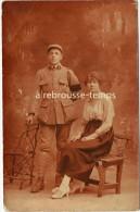 Carte Photo En 1919- Mitrailleur Du 5e Régiment En Couple-photo L. Bruon à Troyes - Guerre, Militaire