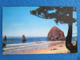 Haystack Rock And Needles, Cannon Beach, Oregon - Non Classés