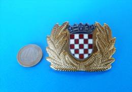 CROATIAN POLICE - Large Enamel Cap / Hat Badge By IKOM * Gendarmerie Gendarmeria Policia Polizei Polizia - Polizei